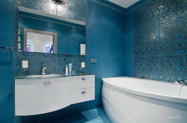 синяя ванная в стиле арт-деко