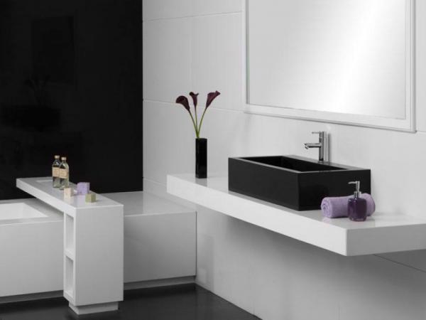 черно-белая ванна в стиле минимализм